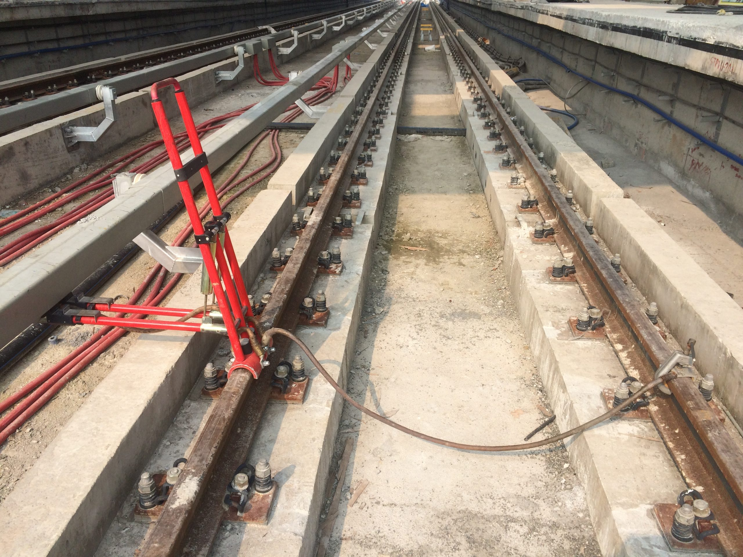 Short Circuiting Device for Underground Railways for 3rd Rail